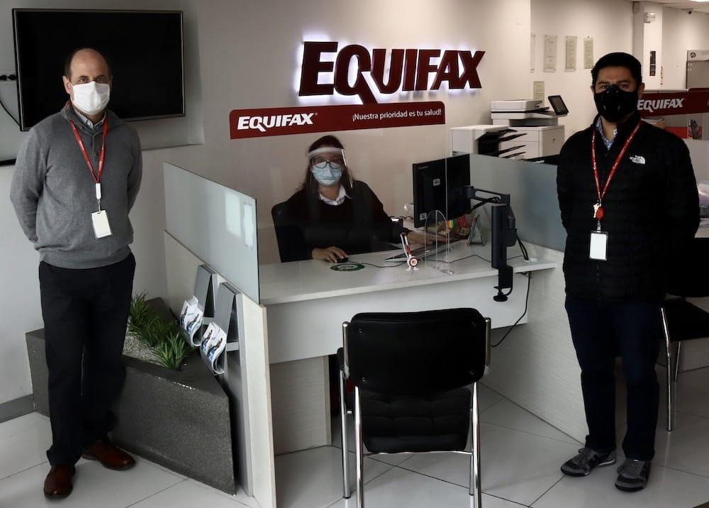 Equifax reabre centro de atención de Rivera Navarrete
