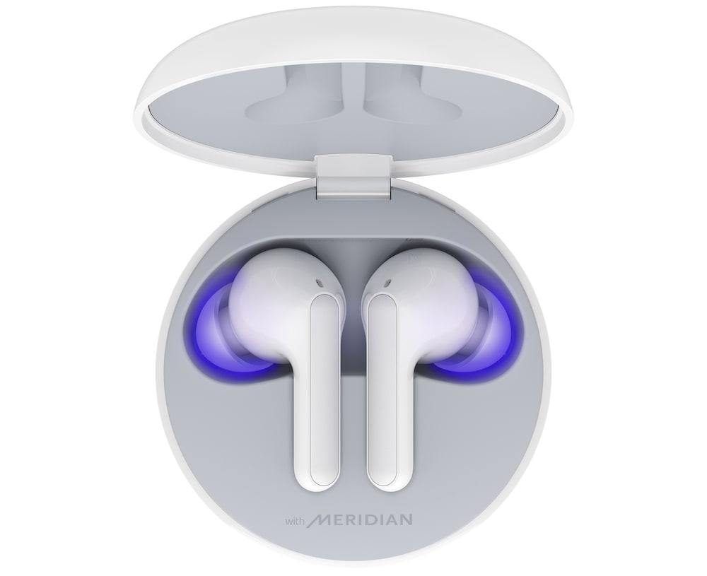 LG presentó audífonos inalámbricos y estuche que elimina bacterias