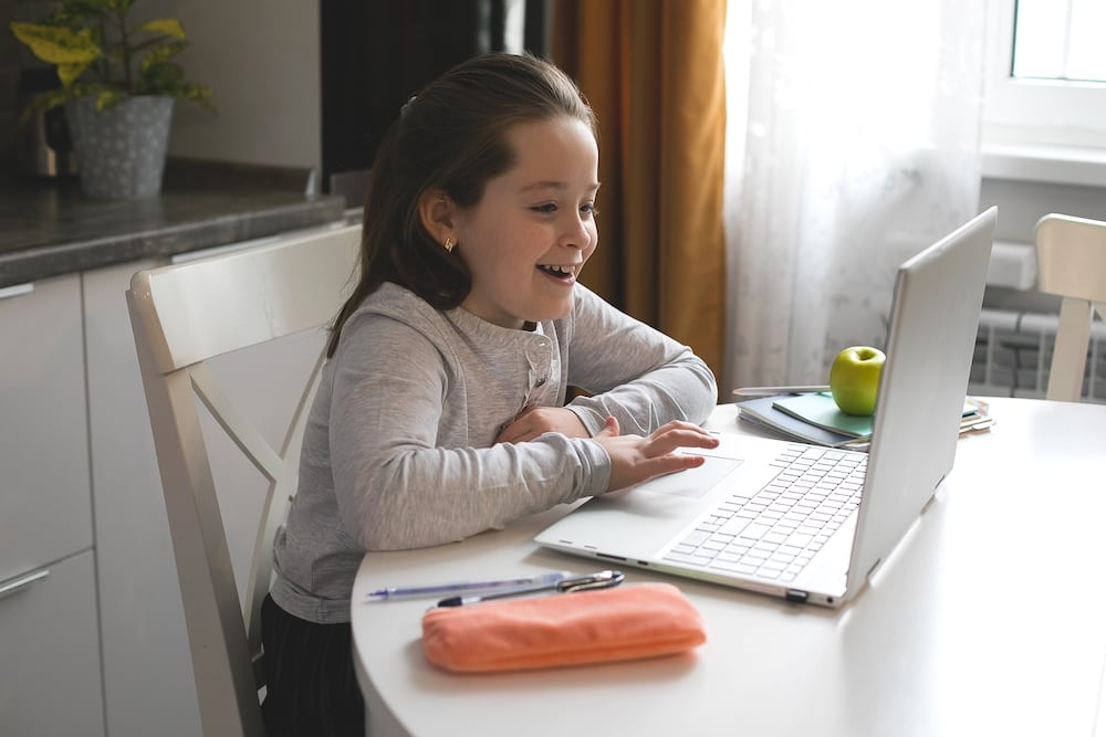 Recomendaciones sobre el mobiliario en casa para clases virtuales