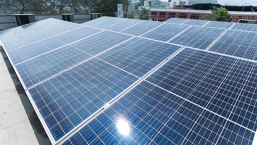Universidad de Lima implementa sistemas de energía solar