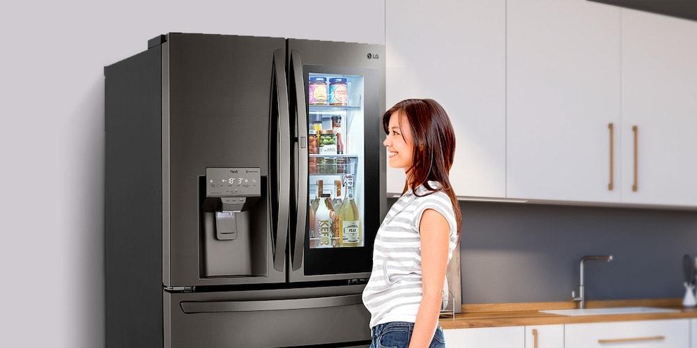 Refrigeradora moderna LG Instaview Door-In-Door con Craft Ice