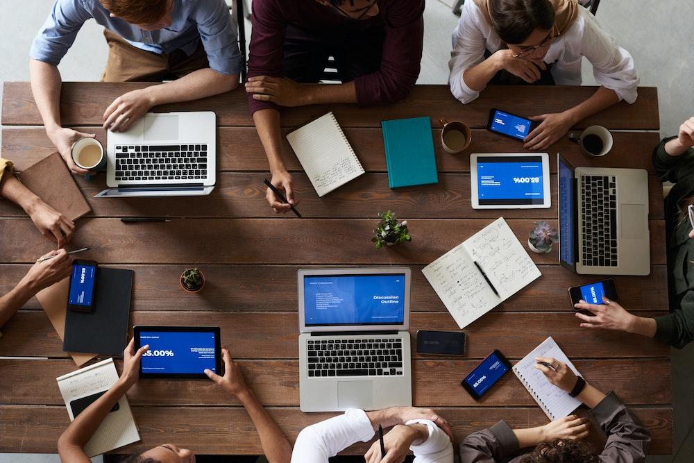 Desafíos en negocios de plataformas tecnológicas en 2021