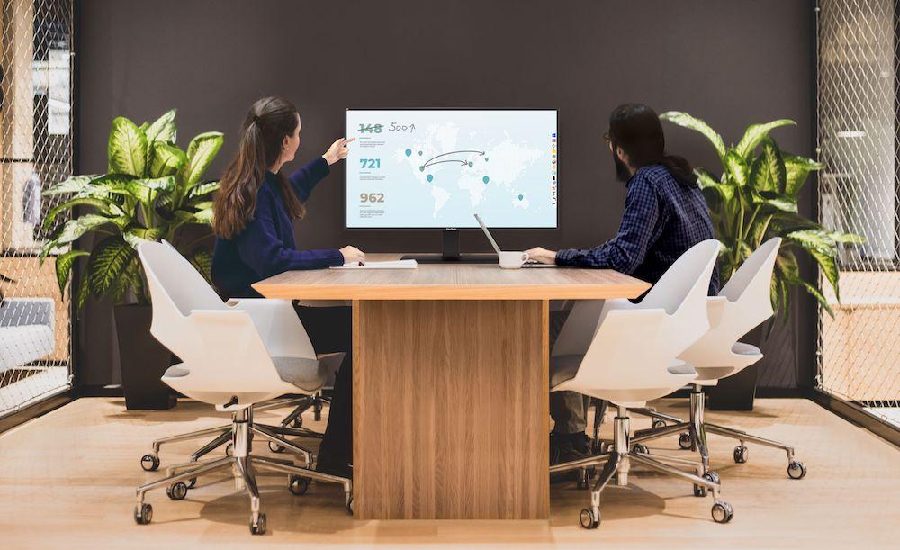 ViewSonic ViewBoard IFP4320 para ambientes pequeños de trabajo híbrido