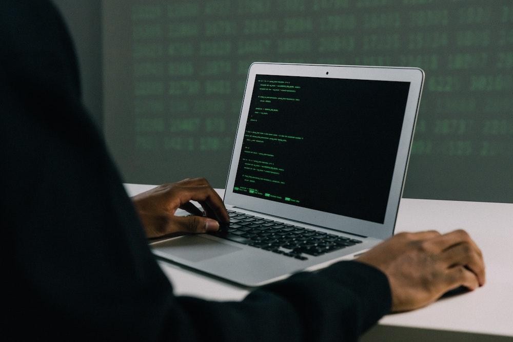 ¿Cómo protegernos de los ciberataques?